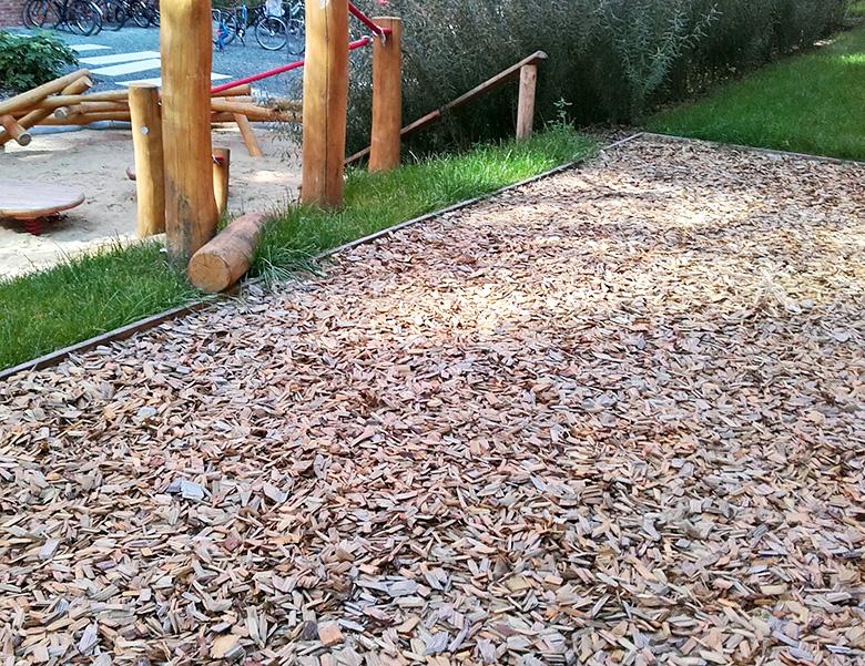 Kompost Erden Nord – Kompost Erden Nord – Spielplatz mit Fallschutzhäcksel