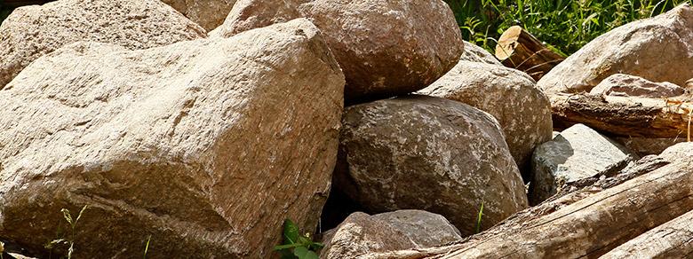 Kompost Erden Nord – Spielplatzmaterial/Steine